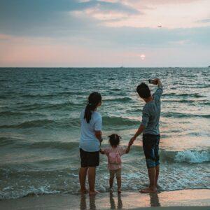 Jak spędzić wakacje nad morzem z dziećmi?